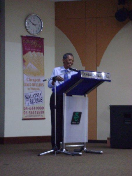 seminar_krisis_kewangan_dan_peranan_emas_10.jpg