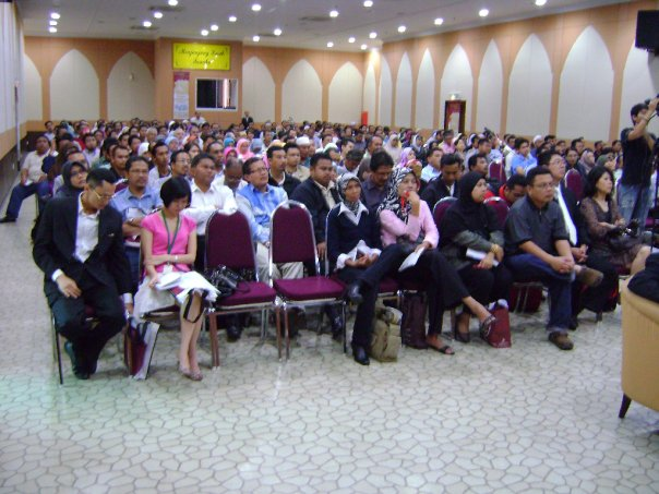 seminar_krisis_kewangan_dan_peranan_emas_3.jpg