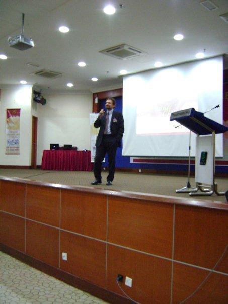 seminar_krisis_kewangan_dan_peranan_emas_7.jpg